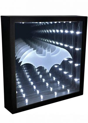 Batman Infinity Light - DC Comics